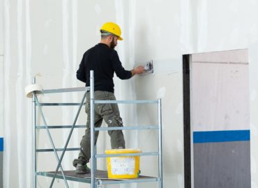 Co oprócz płyt gipsowo-kartonowych, będzie niezbędne do wykonania suchej zabudowy?