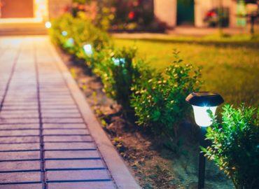 Jakie wybrać oświetlenie ogrodu, tarasu?