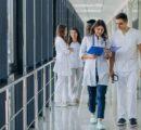 Współczesne joggery, czyli spodnie medyczne dla kobiet